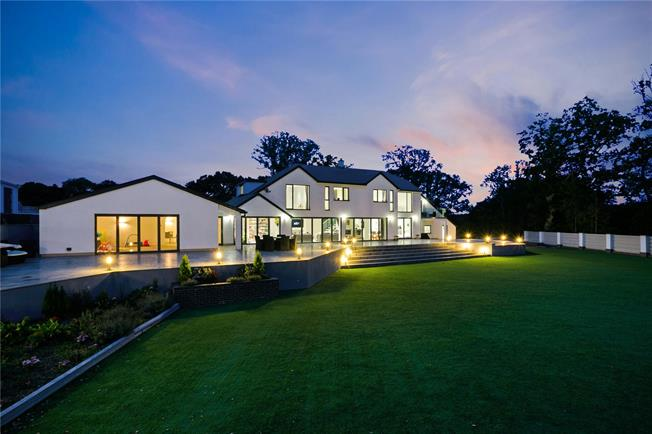 Guide Price £1,950,000, 7 Bedroom Detached House For Sale in Mislingford, PO17