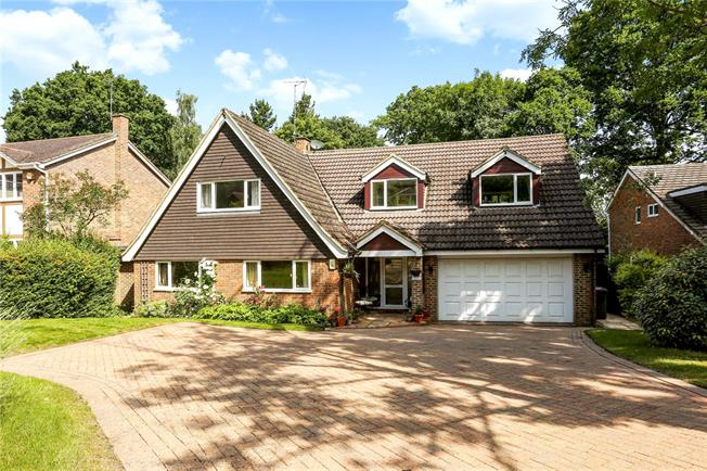 Guide Price £995,000, 5 Bedroom Detached House For Sale in Berkshire, SL4