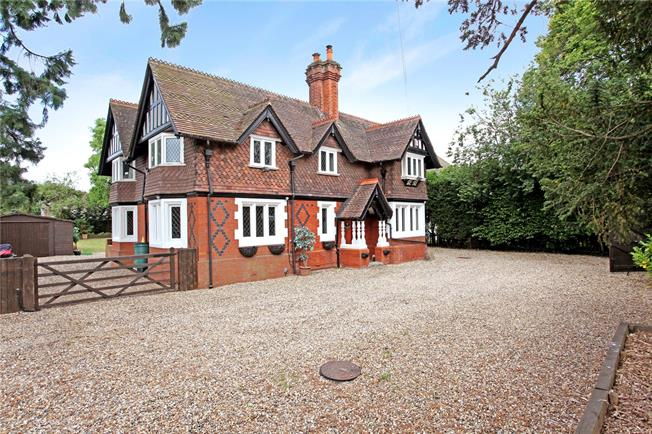 Guide Price £1,195,000, 4 Bedroom Detached House For Sale in Berkshire, SL4