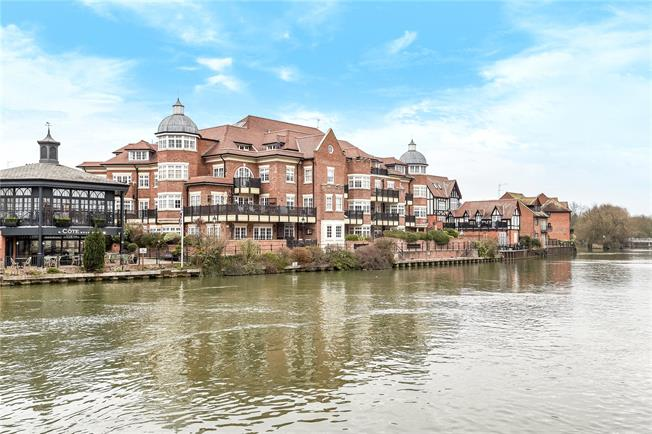 Guide Price £1,350,000, 3 Bedroom Flat For Sale in Eton, SL4