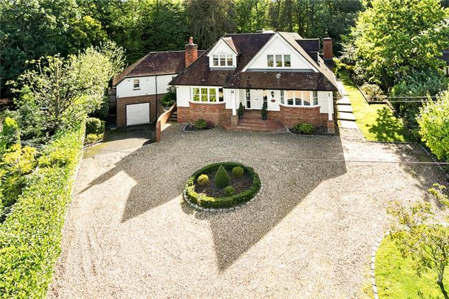 Guide Price £1,795,000, 6 Bedroom Detached House For Sale in Berkshire, SL4