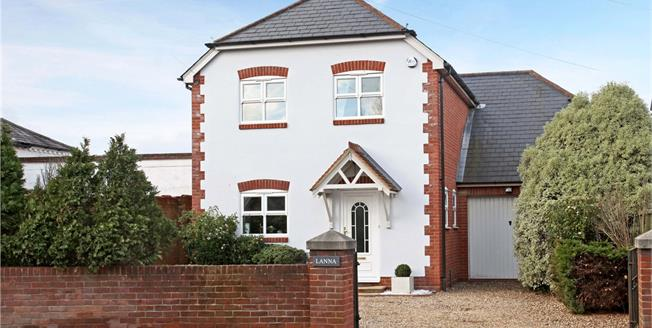 Guide Price £750,000, 4 Bedroom Detached House For Sale in Berkshire, SL4