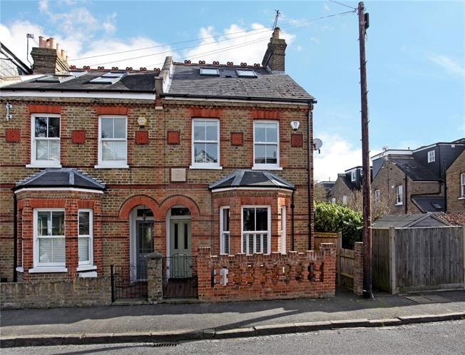 Guide Price £750,000, 4 Bedroom Terraced House For Sale in Windsor, SL4