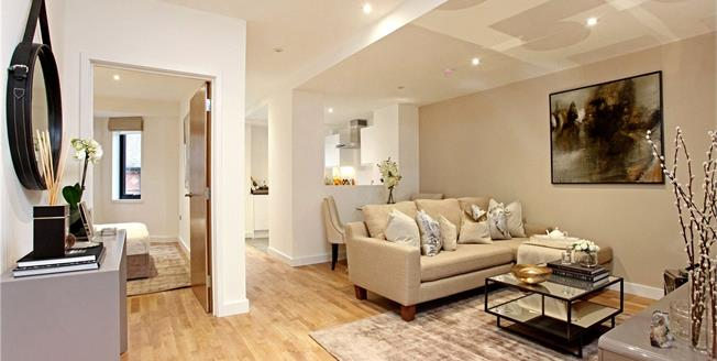 Guide Price £429,950, 2 Bedroom Flat For Sale in Berkshire, SL4