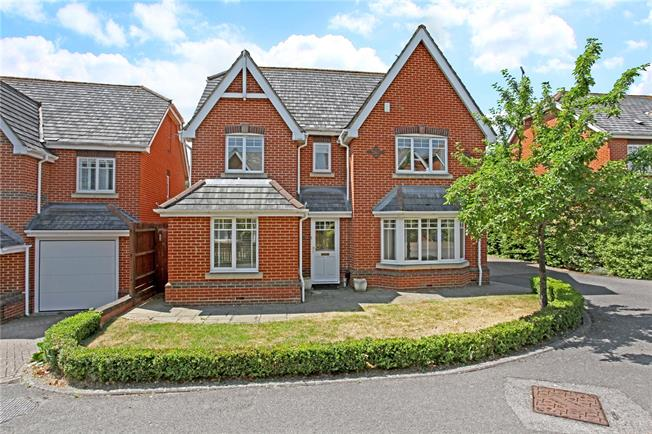 Guide Price £1,185,000, 5 Bedroom Detached House For Sale in Berkshire, SL4