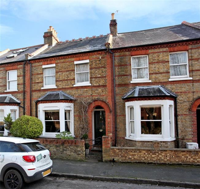 Guide Price £725,000, 3 Bedroom Terraced House For Sale in Windsor, SL4
