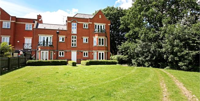 Guide Price £450,000, 2 Bedroom Flat For Sale in Windsor, SL4