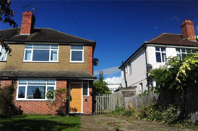 Fixed Price £599,950, 3 Bedroom Semi Detached House For Sale in Windsor, SL4