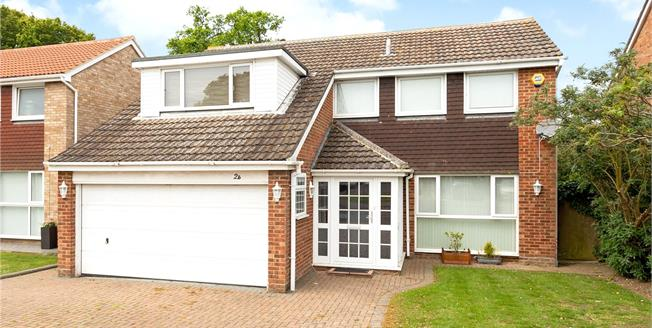 Guide Price £700,000, 4 Bedroom Detached House For Sale in Windsor, SL4