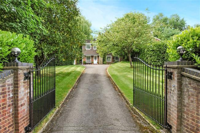 Guide Price £1,150,000, 4 Bedroom Detached House For Sale in Berkshire, SL4