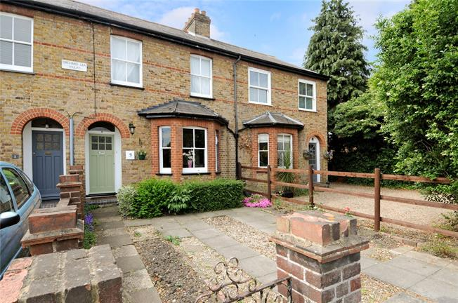 Guide Price £450,000, 3 Bedroom Terraced House For Sale in Windsor, Berkshire, SL4