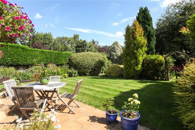 Offers in excess of £895,000, 4 Bedroom Detached House For Sale in Berkshire, SL4
