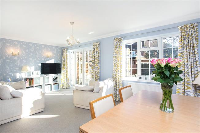 Guide Price £514,000, 3 Bedroom Detached House For Sale in Berkshire, SL3
