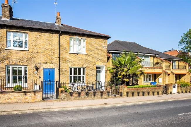 Guide Price £745,000, 2 Bedroom Terraced House For Sale in Windsor, SL4