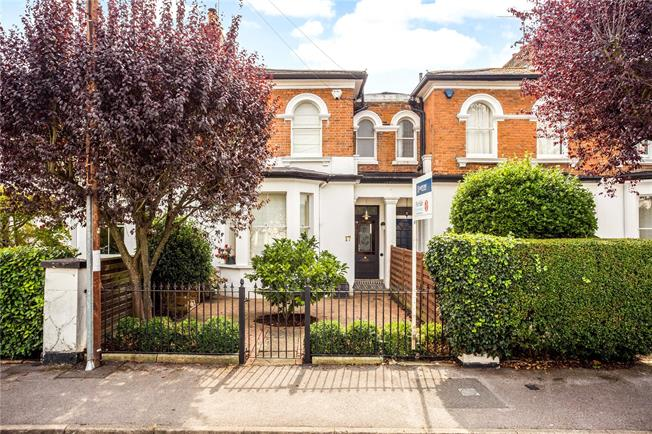 Guide Price £1,150,000, 3 Bedroom Terraced House For Sale in Windsor, SL4