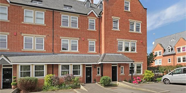 Guide Price £825,000, 4 Bedroom Terraced House For Sale in Windsor, SL4