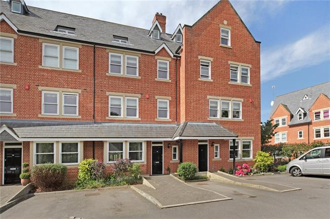 Guide Price £850,000, 4 Bedroom Terraced House For Sale in Windsor, SL4