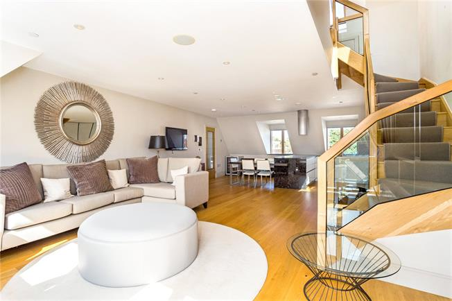 Guide Price £895,000, 2 Bedroom House For Sale in Eton, SL4