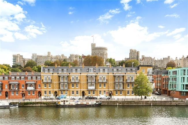 Guide Price £575,000, 1 Bedroom Flat For Sale in Eton, Windsor, SL4