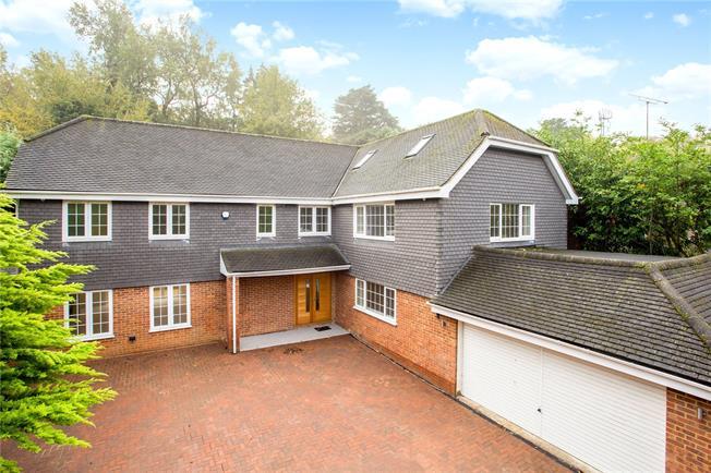 Guide Price £1,617,000, 6 Bedroom Detached House For Sale in Windsor, SL4