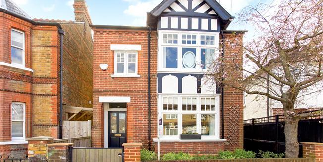 Guide Price £925,000, 4 Bedroom Detached House For Sale in Windsor, SL4
