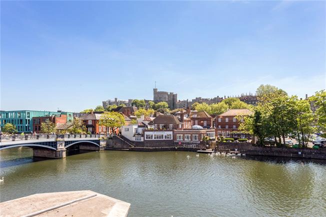 Guide Price £1,300,000, 3 Bedroom Flat For Sale in Eton, SL4