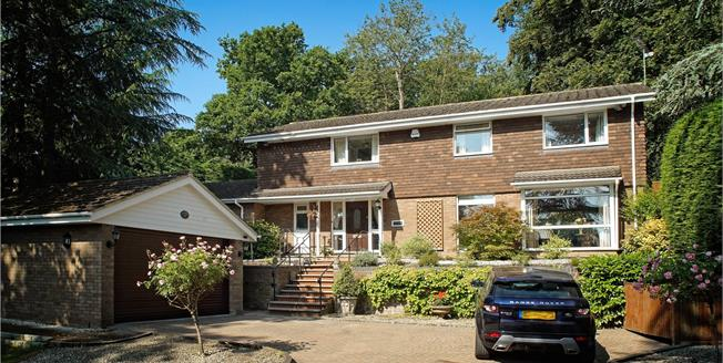 Guide Price £920,000, 4 Bedroom Detached House For Sale in Windsor, SL4