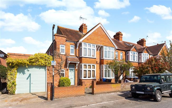 Guide Price £720,000, 3 Bedroom Semi Detached House For Sale in Windsor, SL4