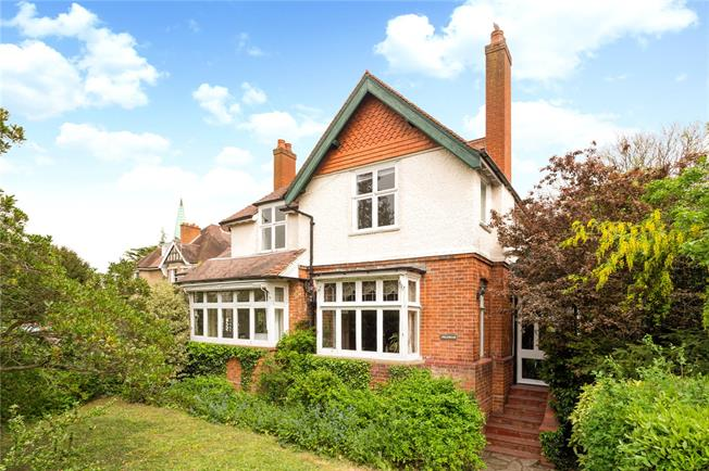 Offers in excess of £950,000, 5 Bedroom Detached House For Sale in Staines-upon-Thames, TW18