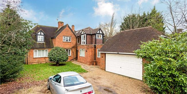 Guide Price £1,100,000, 6 Bedroom Detached House For Sale in Windsor, SL4