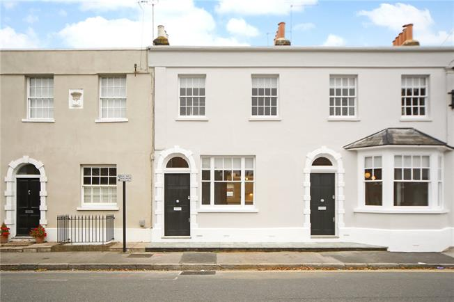 Guide Price £699,950, 3 Bedroom Terraced House For Sale in Berkshire, SL4