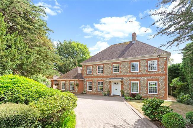 Guide Price £1,595,000, 5 Bedroom Detached House For Sale in Windsor, SL4