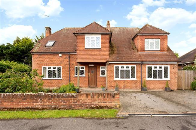 Guide Price £945,000, 4 Bedroom Detached House For Sale in Windsor, SL4