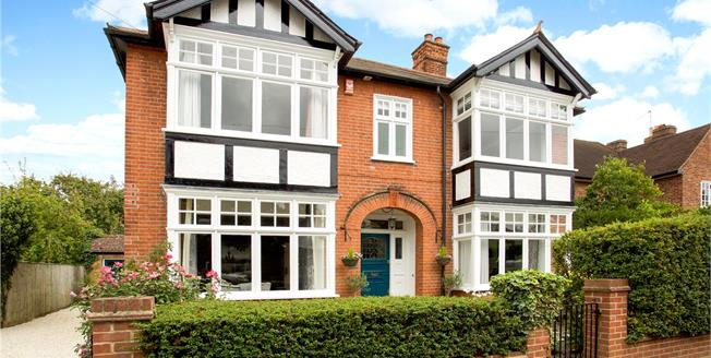 Guide Price £1,250,000, 4 Bedroom Detached House For Sale in Datchet, SL3