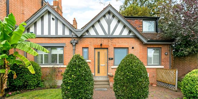 Guide Price £1,195,000, 3 Bedroom Detached House For Sale in Windsor, SL4