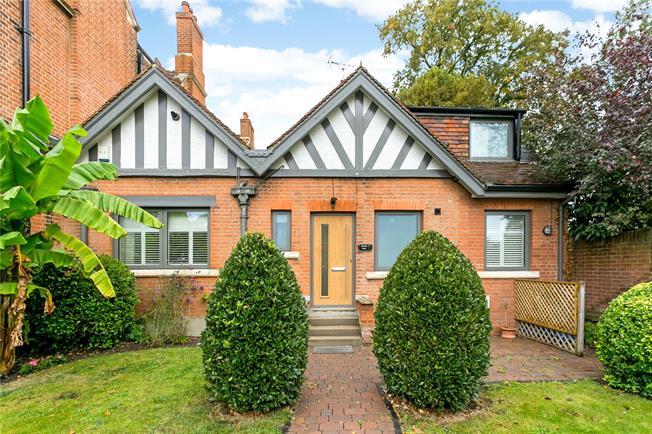 Guide Price £1,195,000, 3 Bedroom Detached House For Sale in Windsor, SL4