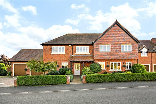 Asking Price £845,000, 5 Bedroom Detached House For Sale in Warwick, Warwickshire, CV35