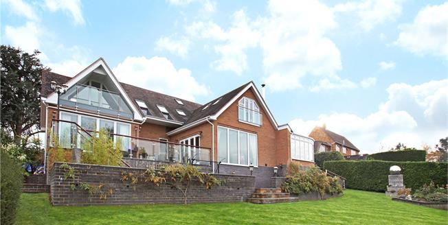 Offers in excess of £950,000, 5 Bedroom Detached House For Sale in Alveston, CV37