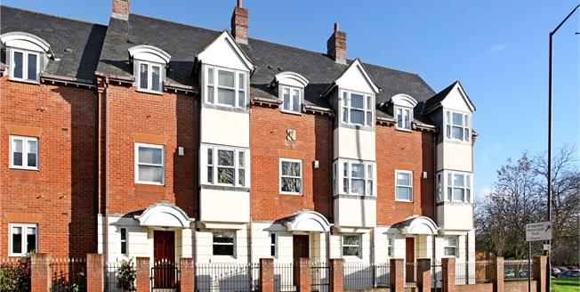 Offers in excess of £450,000, 3 Bedroom Mews House For Sale in Stratford-upon-Avon, Warw, CV37
