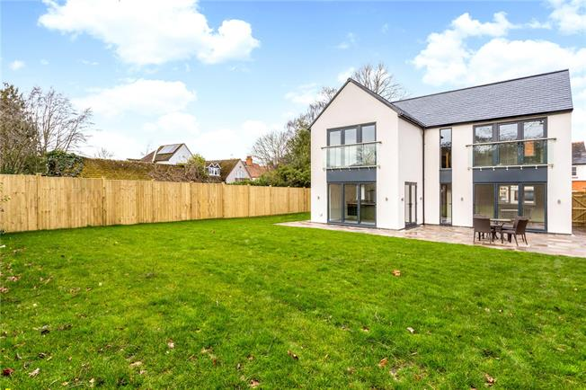 Offers in excess of £500,000, 3 Bedroom Detached House For Sale in Stratford-upon-Avon, CV37
