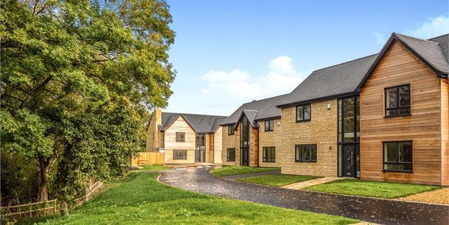 Guide Price £695,000, 4 Bedroom Detached House For Sale in Tredington, CV36