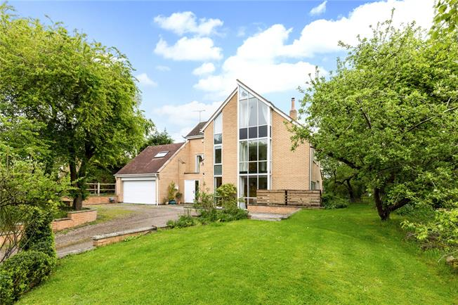 Guide Price £865,000, 5 Bedroom Detached House For Sale in Pillerton Hersey, CV35