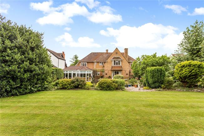 Offers in excess of £900,000, 5 Bedroom Detached House For Sale in Stratford-upon-Avon, CV37