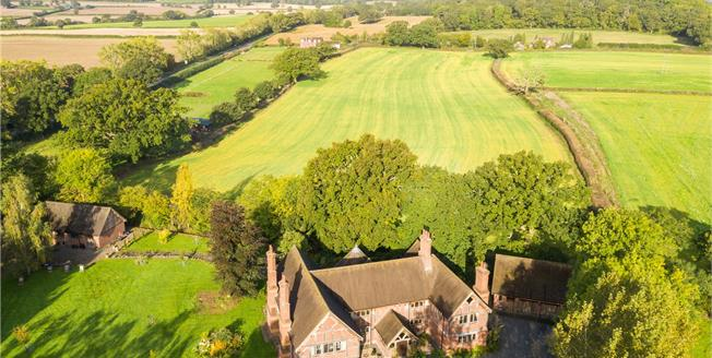 Guide Price £1,750,000, 6 Bedroom Detached House For Sale in Alcester, B49
