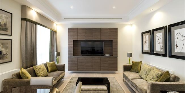 Asking Price £2,500,000, 3 Bedroom Flat For Sale in London, W1H
