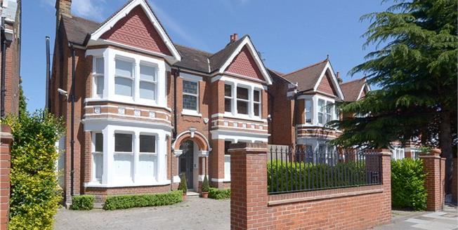 Guide Price £2,495,000, 6 Bedroom Detached House For Sale in Ealing, W5