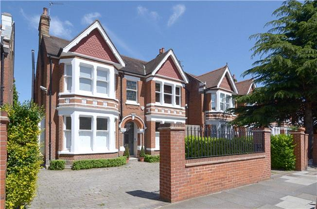 Guide Price £2,495,000, 6 Bedroom Detached House For Sale in London, W5