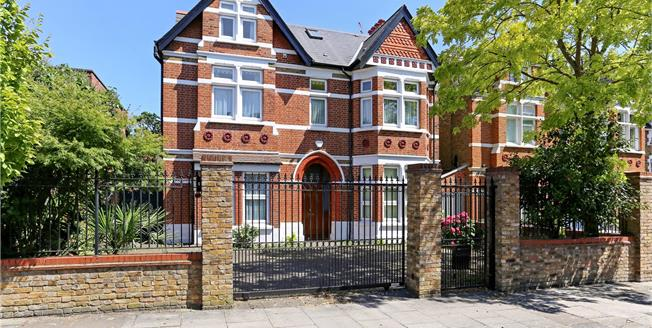 Guide Price £2,500,000, 7 Bedroom Detached House For Sale in London, W13