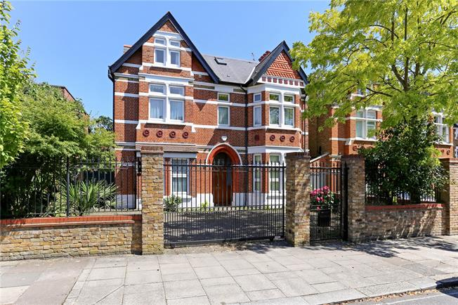 Guide Price £2,750,000, 7 Bedroom Detached House For Sale in London, W13