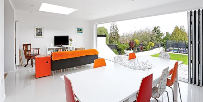 Asking Price £1,999,999, 6 Bedroom Detached House For Sale in London, W5